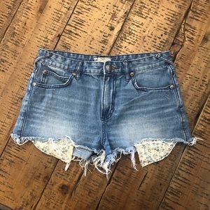 Free People Distressed Shorts 28